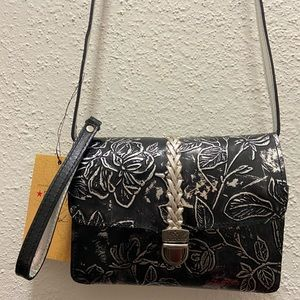 Patricia Nash crossbody bad back textured